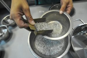 أزمة السيولة في الهند تؤثر على مبيعات الألماس