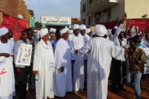السودان تفرج عن قيادات من المعارضة