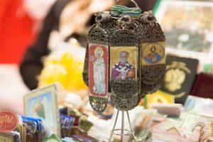 المسيحيون في روسيا ينتظرون عيد الميلاد بطريقتهم الخاصة