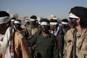 الصراع القائم بين القبائل الحوثية بدأت تظهر إلى العلن