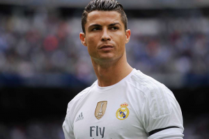 رونالدو يحذر ريال مدردي من ضم حارس اي سي ميلان