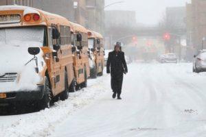 عاصفة شديدة ترجئ زيارة ميركل إلى الولايات المتحدة الأمريكية إلى الجمعة المقبلة وإلغاء رحلات جوية