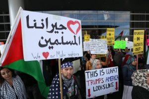المواطنيين العراقيين خارج الحظر الأمريكي الذي فرضه الرئيس الأمريكي دونالد ترامب