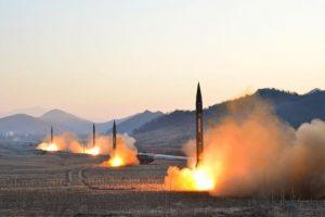 زعيم بيونغ يانغ يعلن عن ولادة جديدة لصناعة محركات الصواريخ في كوريا الشمالية