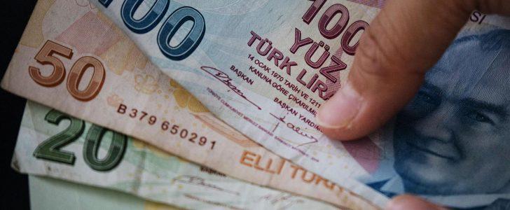 استمرار الليرة التركية في الهبوط وتركيا تتوعد بالانتقام