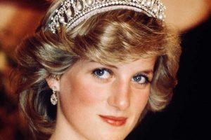 """ظهور وجه الأميرة ديانا في نفق جسر """"ألما"""""""