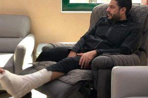 حماقي بعد العملية الجراحية فى قدمه اليسرى شريحة و6 مسامير