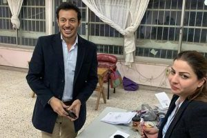 مصطفى شعبان يدلي بصوته على استفتاء التعديلات الدستورية