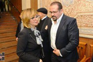نجوم الفن في عزاء والدة الفنان هشام عباس